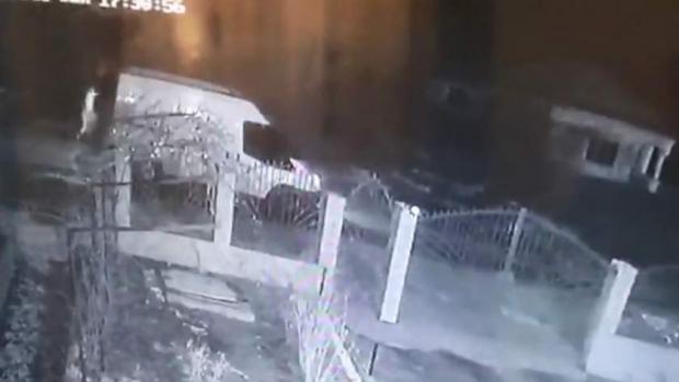 Foto: Un şofer care a ucis un bărbat, filmat când fugea de la locul accidentului