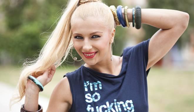 Foto: E blondă, divorţată şi adorată. Cine poate fi viitoarea colegă a Danielei Crudu?