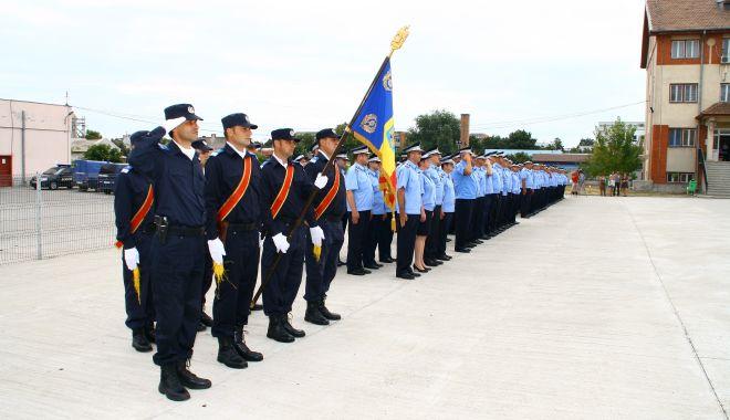 Foto: Jandarmii constănţeni omagiază eroii căzuţi pe câmpurile de luptă