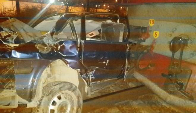 Foto: Galerie foto. TERIBIL ACCIDENT RUTIER, în Constanţa. Autoturism LOVIT DE TREN, în zona Pod Butelii