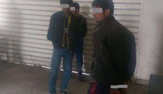 Trei emigranți afgani, găsiți ascunşi într-un autocamion - img20150529wa0000-1432980844.jpg