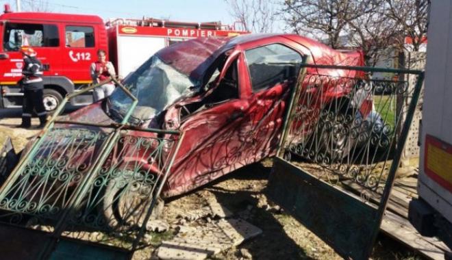 Foto: CARAMBOL RUTIER. Cinci maşini au fost implicate. Sunt două victime