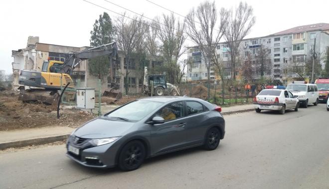 MISTER PE ȘANTIERUL DIN ZONA INTIM! ISU Dobrogea, SMURD și Poliția, la fața locului - img20171127wa0016-1511782062.jpg