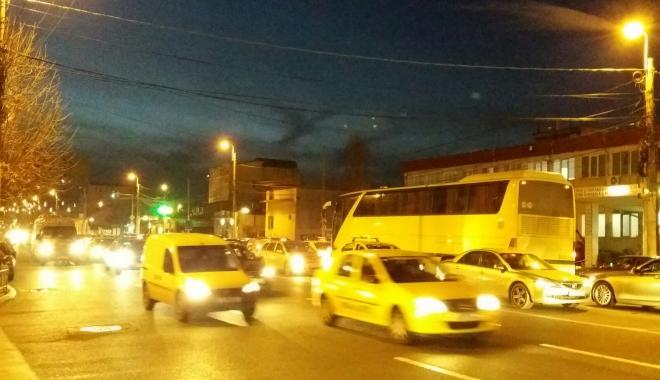 GALERIE FOTO / Trafic de coșmar, la această oră, la Constanța.