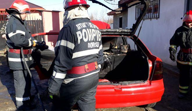 GALERIE FOTO / Maşină în flăcări! Pompierii constănţeni intervin în forţă - img20180126wa0012-1516963053.jpg