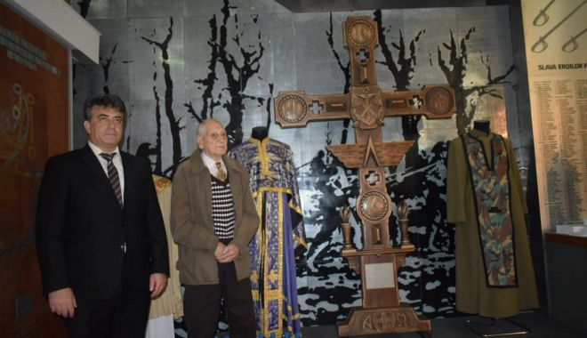 """Galerie foto. Veteranul atlet Traian Petcu a donat o troiţă Muzeului Militar Naţional """"Regele Ferdinand l"""" - img20180516wa0004-1526470107.jpg"""