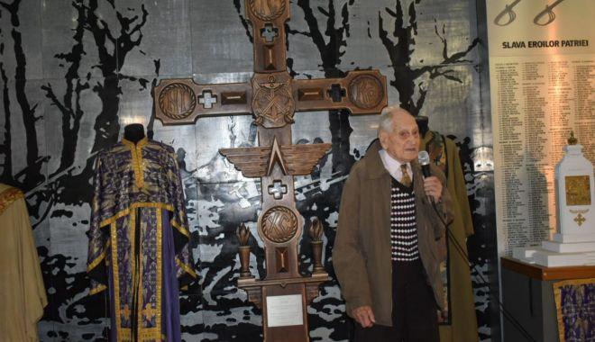 """Galerie foto. Veteranul atlet Traian Petcu a donat o troiţă Muzeului Militar Naţional """"Regele Ferdinand l"""" - img20180516wa0005-1526470074.jpg"""