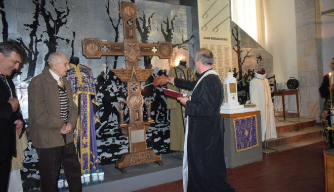 """Galerie foto. Veteranul atlet Traian Petcu a donat o troiţă Muzeului Militar Naţional """"Regele Ferdinand l"""" - img20180516wa0011-1526470117.jpg"""