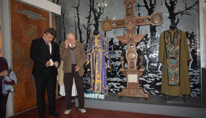 """Galerie foto. Veteranul atlet Traian Petcu a donat o troiţă Muzeului Militar Naţional """"Regele Ferdinand l"""" - img20180516wa0014-1526470086.jpg"""