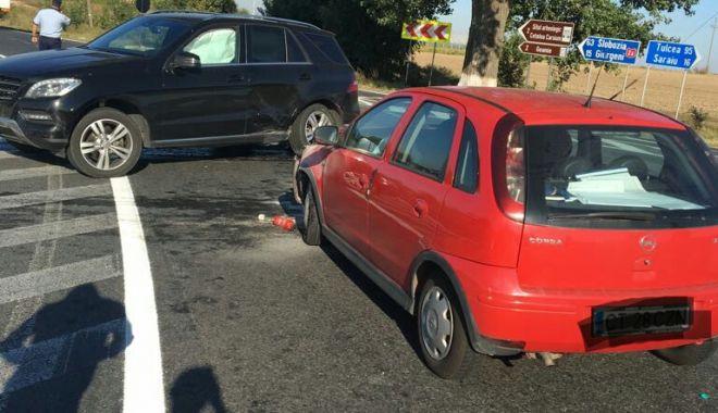 Foto: Accident rutier la Constanța, după ce un șofer nu a acordat prioritate
