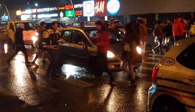 Foto: Femeie lovită pe trecerea de pietoni, la Constanța