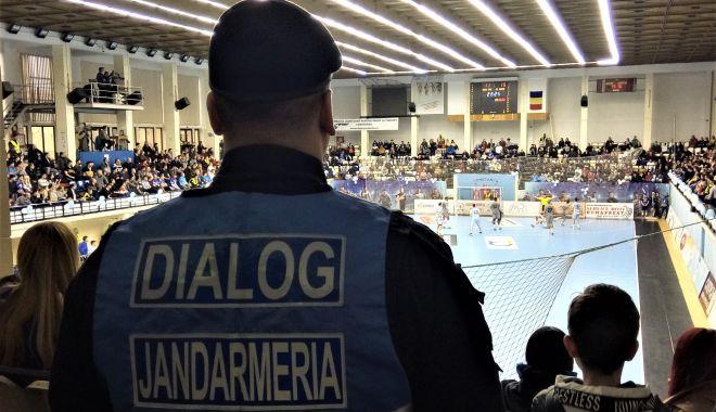 Foto: Weekend plin de evenimente, la Constanţa! Jandarmii, în misiune