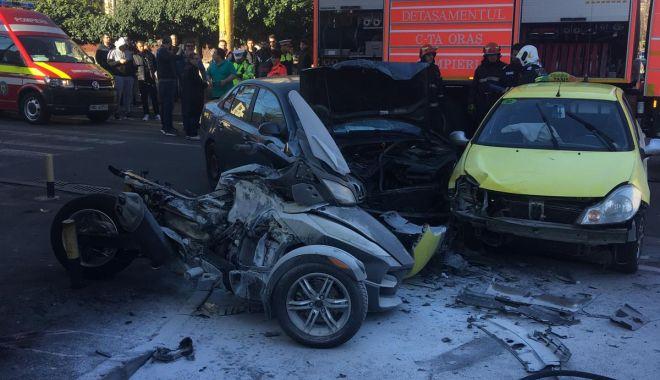 Foto: IMAGINI GREU DE PRIVIT! Accident urmat de incendiu, la Constanța. TREI VICTIME