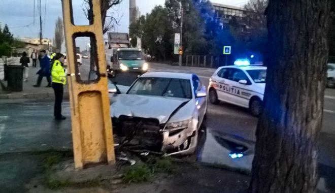 Foto: Accident rutier la Constanța, din cauza unui șofer care a tăiat linia dublă continuă