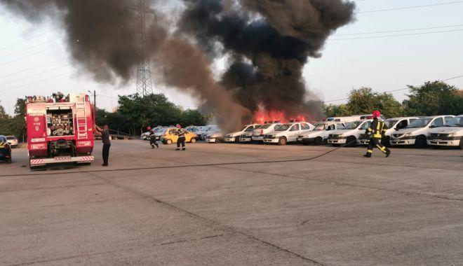 Foto: Incendiu la Constanța! Ard mai multe mașini