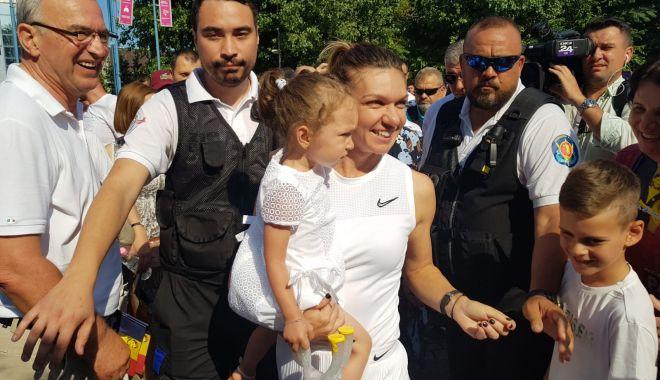 LIVE TEXT/ Simona Halep, printre constănțeni, cu trofeul de la Wimbledon.