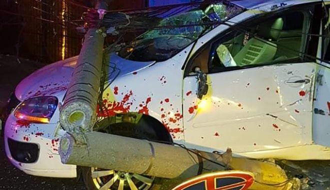 Mașină intrată în stâlp, în Mangalia! - img20190906wa0000-1567744354.jpg