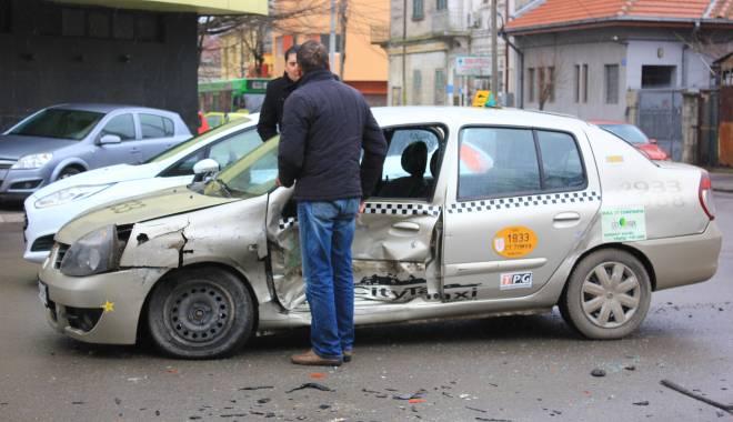 Galerie FOTO. Accident rutier în centrul Constanței - img2129-1424860097.jpg