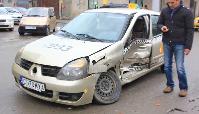 Galerie FOTO. Accident rutier în centrul Constanței - img2163-1424860134.jpg