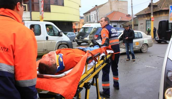 Galerie FOTO. Accident rutier în centrul Constanței - img2166-1424860163.jpg