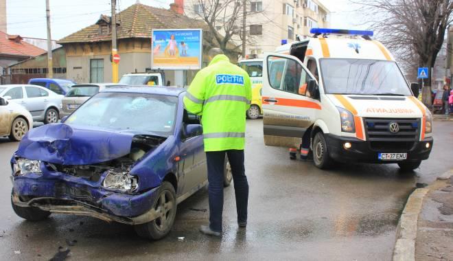 Galerie FOTO. Accident rutier în centrul Constanței - img2217-1424860196.jpg