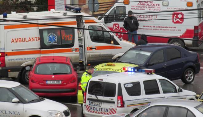 Foto: Galerie FOTO. Haos pe bulevardul I.C. Brătianu. Mai multe maşini implicate într-un accident. Două victime. Update