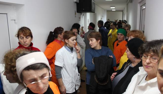 Foto: GREVĂ la Sanatoriul Techirghiol! Protestatarii nu renunţă!