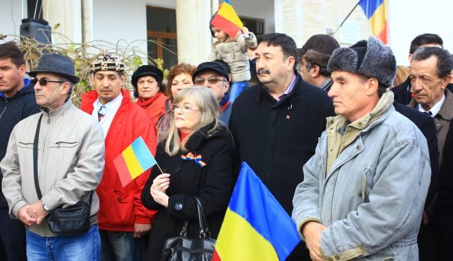 GALERIE FOTO. ZIUA NAŢIONALĂ A ROMÂNIEI, CELEBRATĂ LA CONSTANŢA - img3630-1448966100.jpg