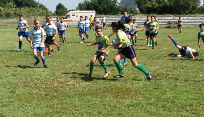Foto: GALERIE FOTO / A început Circuitul Național de mini-rugby