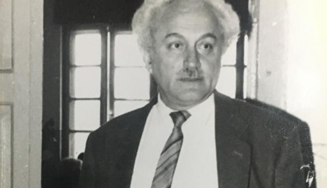 """Foto: Arhiva de Aur """"Cuget Liber"""". Mari profesori - Marin Mincu, geniul incompatibil cu """"mediocritatea"""" de la """"Ovidius"""""""