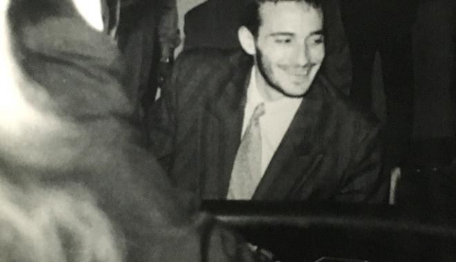 """Foto: Arhiva de Aur """"Cuget Liber"""". Fostul """"Primar Samba"""", la jocuri de noroc, în 1993"""