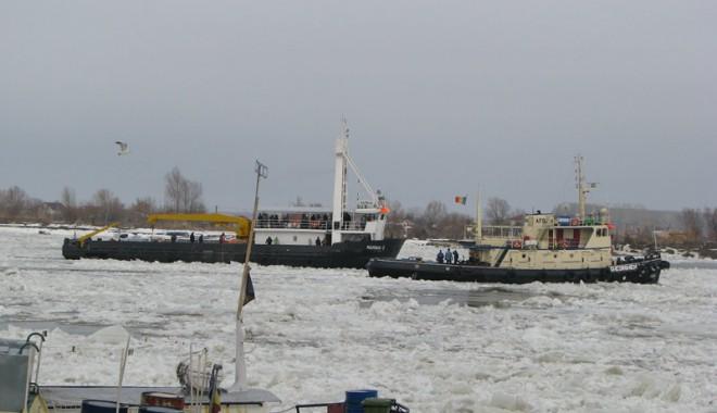 Foto: Porturile maritime au pagube de zeci de milioane de euro din cauza iernii grele