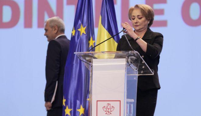 Foto: CEx PSD. Viorica Dăncilă îşi pune mandatul pe masă