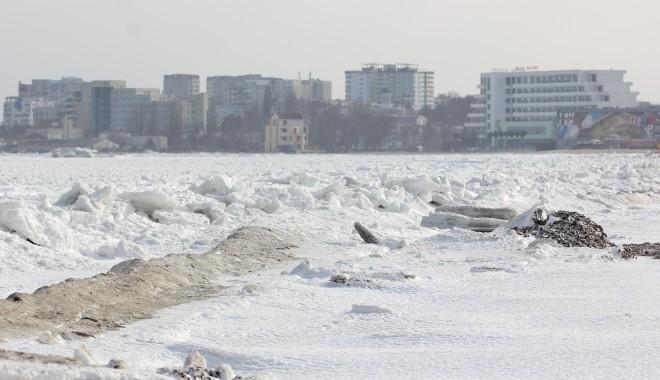 Foto: IMAGINI SPECTACULOASE / Marea Neagr� a �nghe�at din nou