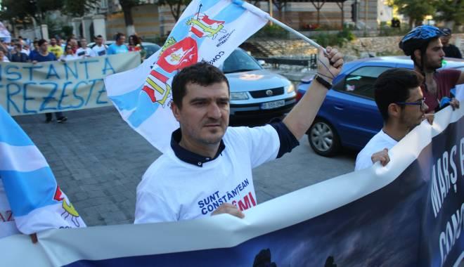 """Foto: Constănţenii şi-au spus cuvântul! """"Marş pentru Constanţa"""", în Piaţa Ovidiu! Galerie foto"""