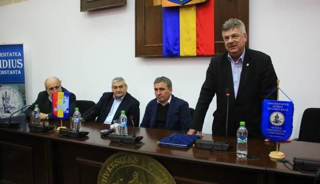 """Foto: Galerie foto. Academia """"Gheorghe Hagi"""" şi Universitatea """"Ovidius"""", parteneriat în premieră"""