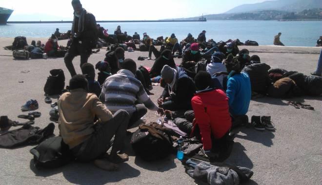 Foto: Criza imigranţilor / Armata bulgară a trimis blindate la frontiera cu Macedonia
