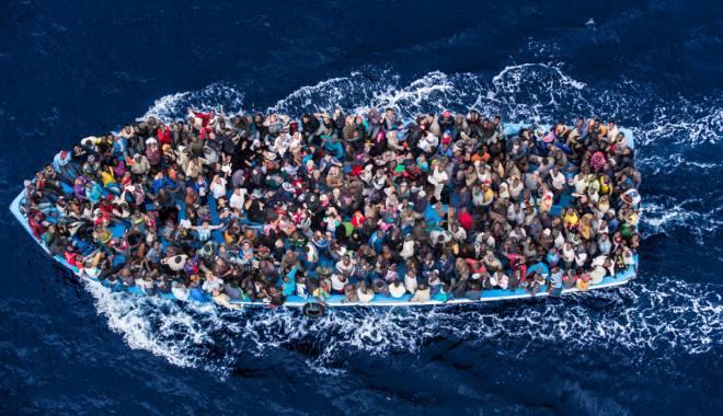 Foto: Criza imigranţilor / Sute de oameni au murit, după ce două ambarcaţiuni s-au răsturnat