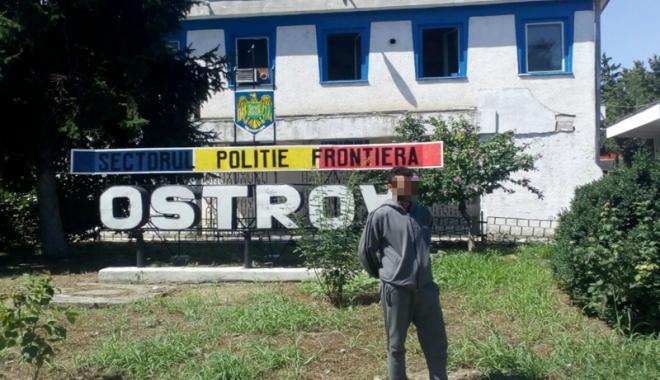 Foto: Imigranţi reţinuţi de poliţiştii de frontieră de la Ostrov