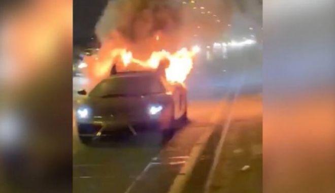 Foto: Un Lamborghini Gallardo de 150.000 de euro, abia scos din service, a explodat pe autostradă
