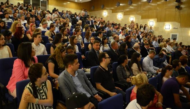 """Foto: Importantă dezbatere regională la Universitatea """"Ovidius"""""""