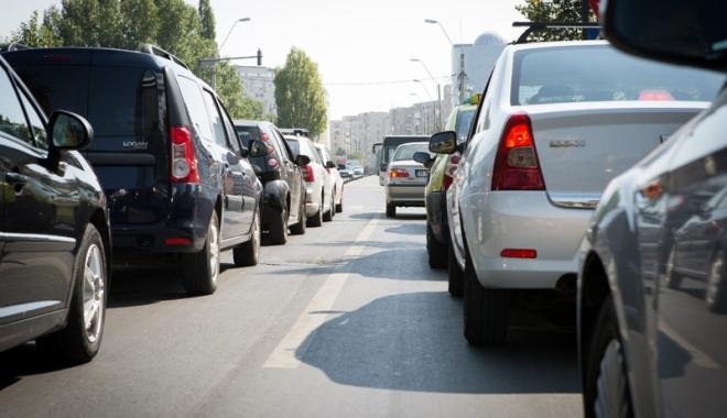 Foto: Veşti bune pentru şoferi. Impozitul auto  ar putea să scadă şi de zece ori!
