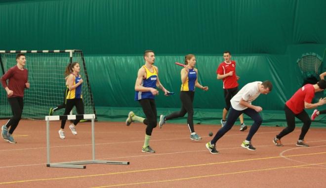 Foto: Ştiinţă şi mişcare la Facultatea de Educaţie Fizică şi Sport