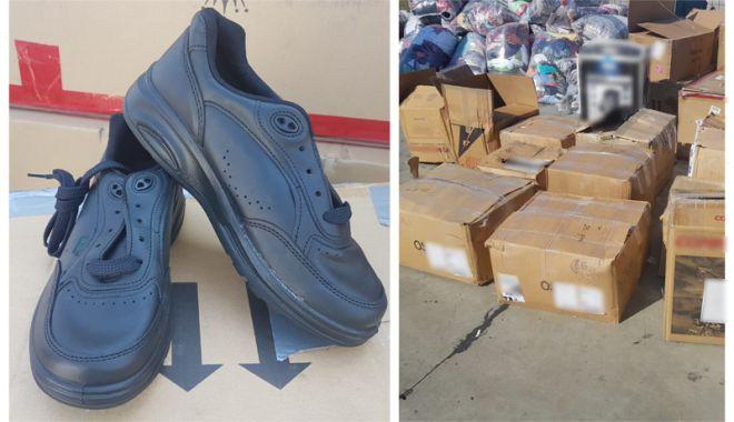 Foto: Încălţări sport contrafăcute, confiscate  în Portul Constanţa Sud Agigea