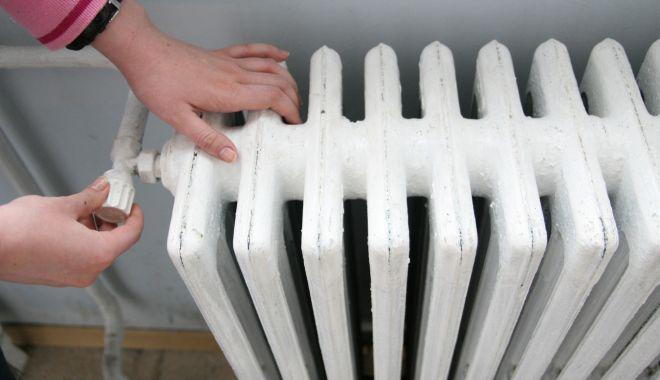Guvernul a majorat veniturile maxime pentru ajutoarele de încălzire. Iată cu cât - incalzirecalorifer2020-1606550981.jpg