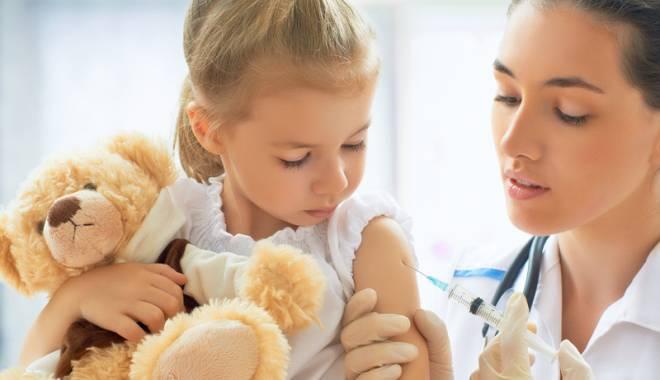 Foto: Copiii nevaccinaţi, interzişi în colectivitate. Nu vor mai putea fi înscrişi la grădiniţă sau la şcoală