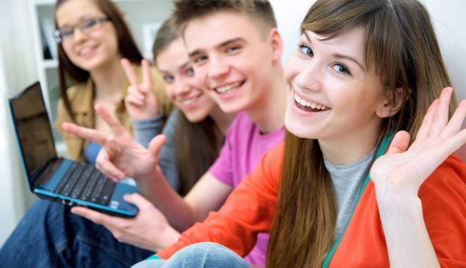 Foto: În ce condiţii pot beneficia tinerii absolvenţi de şomaj