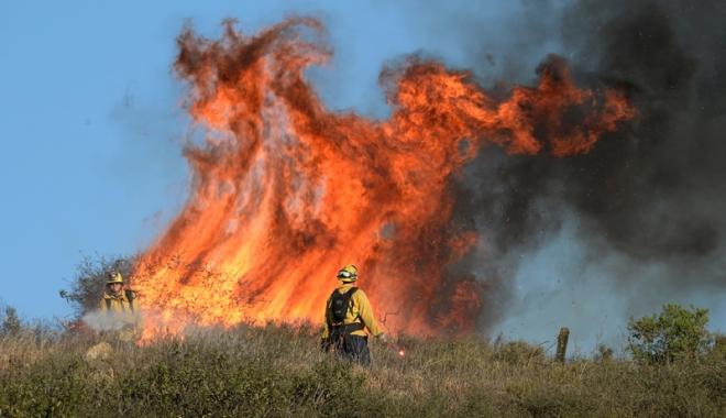 Foto: Un oraş întreg din Canada, evacuat din cauza incendiilor