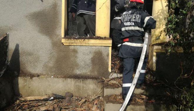 Foto: Incendii la locuinţe din judeţul Constanţa, în week-end