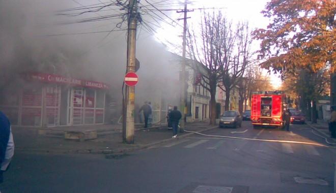 [Imagine: incendiu-1322635744.jpg]